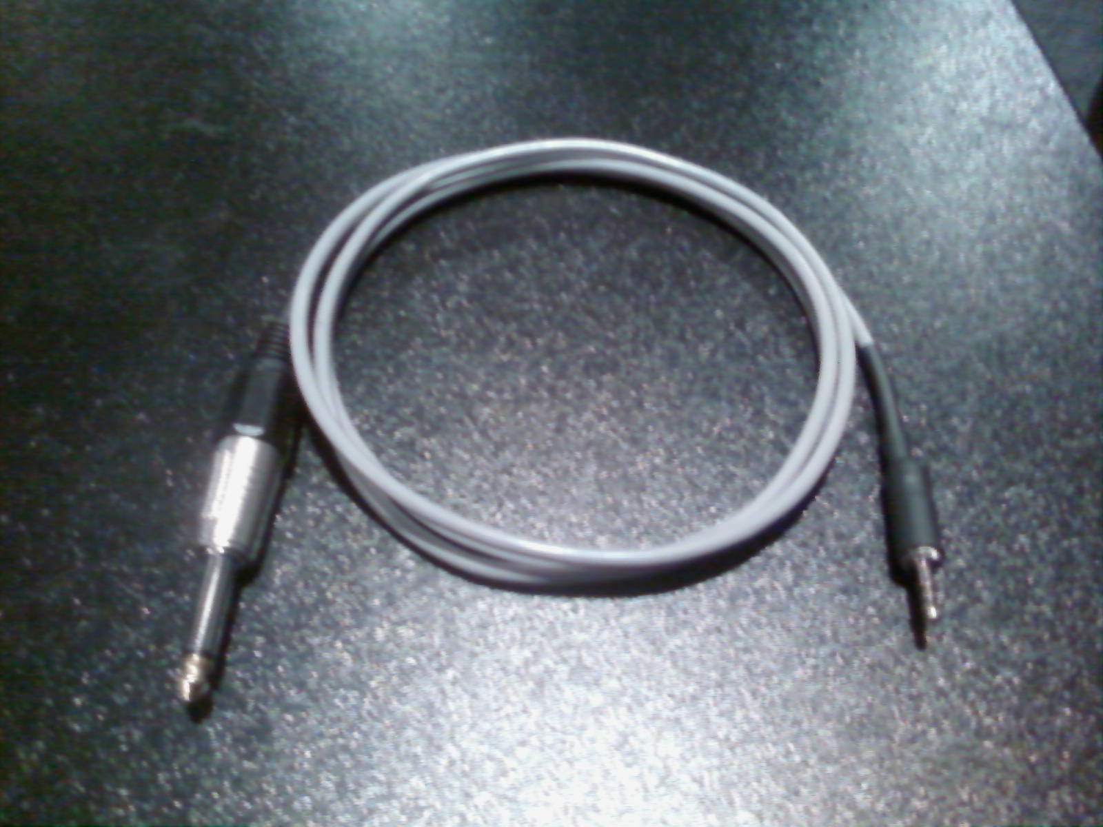 The Stereo To Mono Summing Cable That No One Makes Late Wiring Diagram Xlr 1 4 Jack Its Constructed Of 6 Six Feet Low Profile Balanced Shielded Microphone On End Is A 8 35mm Trs Plug For Connecting